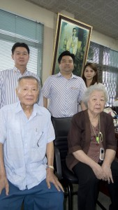 standing from left) Krit, Krisda Pornamnuaysub and Piangpirm Raviampun (seated left) company founders Boonchai and Chawewan Pornamnuaysub